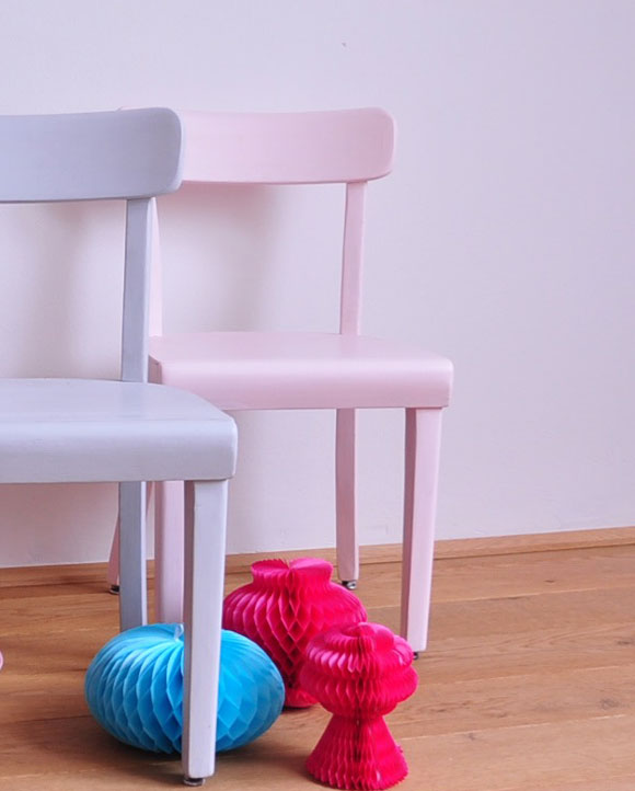 Vintage Kinderstuhl pastell